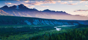 picture of the horizon of the Chugach mountains in Alaska